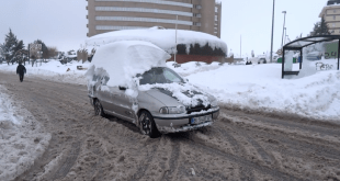 Bilbaínos robando nieve campurriana