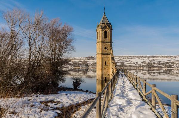 Pantano del Ebro vía @faustoreinosa