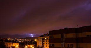 La tormenta descargó sobre Peña Cabarga vía Luis Ángel Serrano
