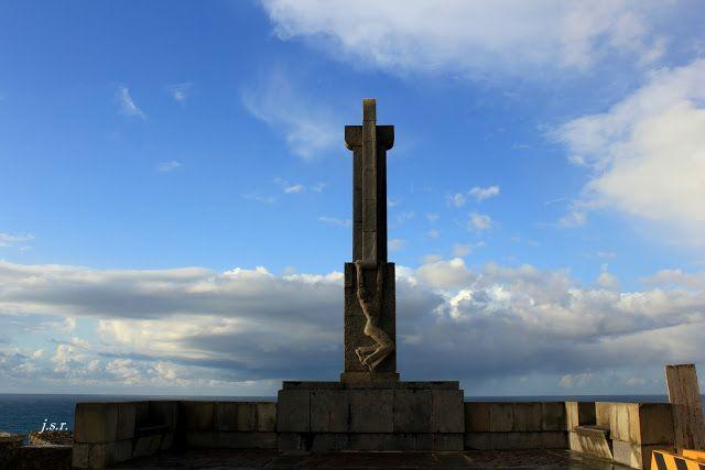 Cruz del Faro de Cabo Mayor de Santander vía Juan Salmón