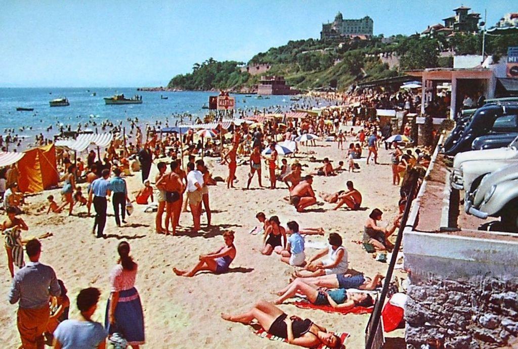 29f28c2d2fa3 Playa de Bikinis en Santander @eltomavistas - POSTUREO CÁNTABRO