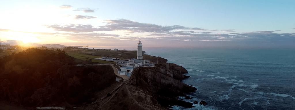 Atardecer en el Faro de Cabo Mayor Santander