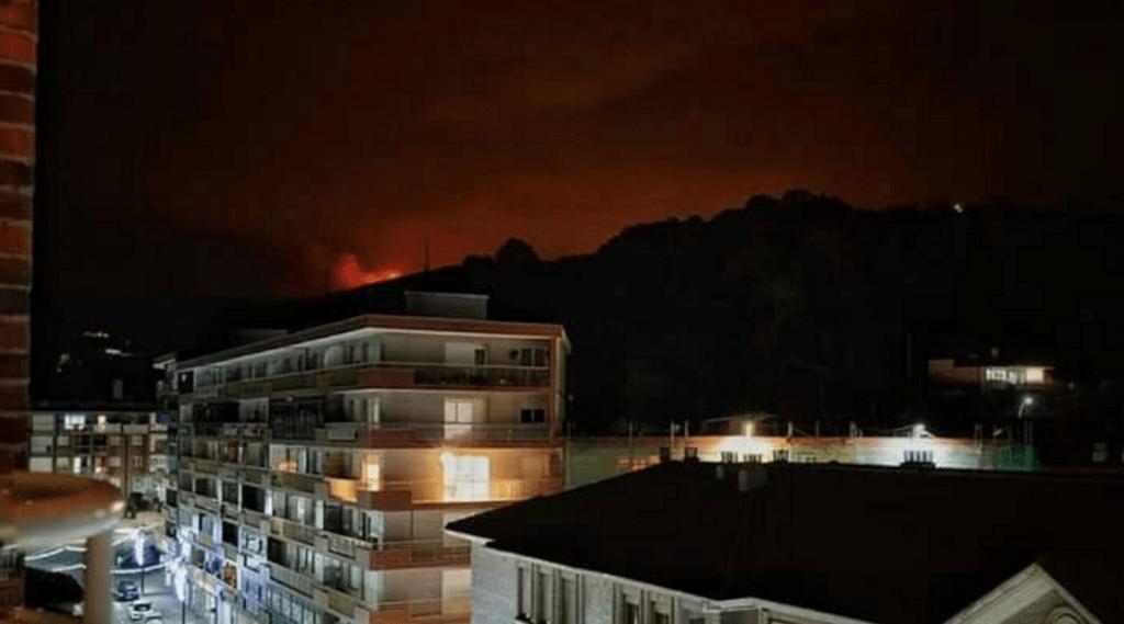 Incendio en Valverde desde Laredo vía Beatriz Gutierrez Gonzalez