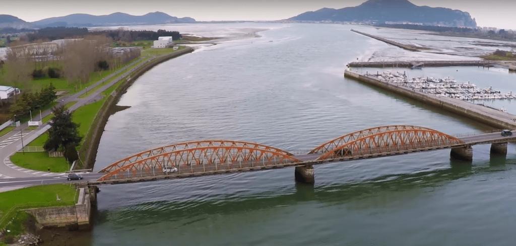 Río Asón a vista de drone