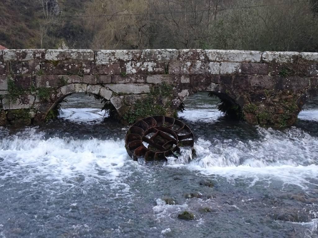 Detalle puente medieval