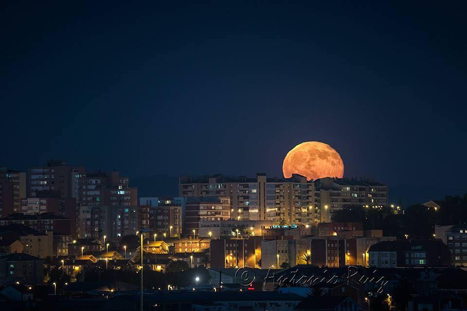 Superluna - Antonio Ruiz