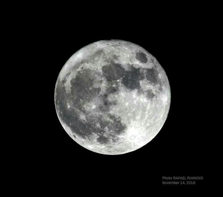 Superluna - Rafael Riancho