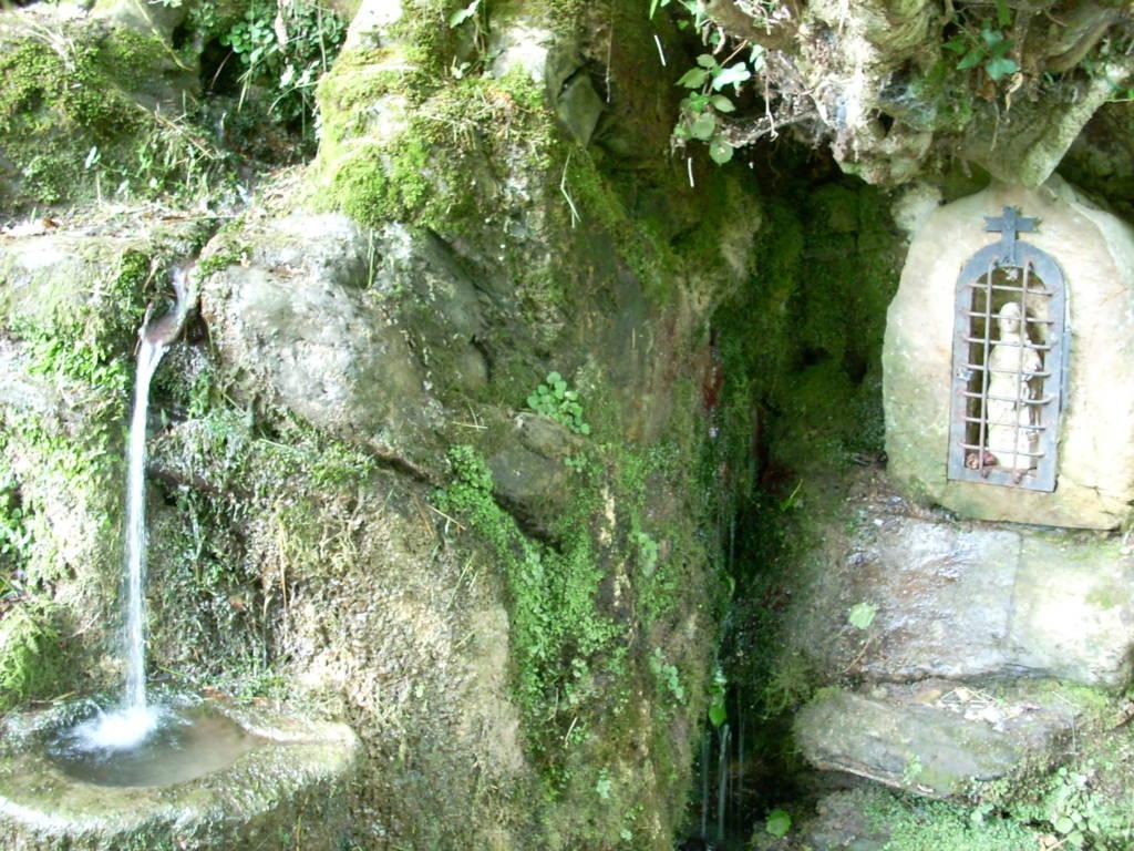 Fuente Virgen de Valvanuz