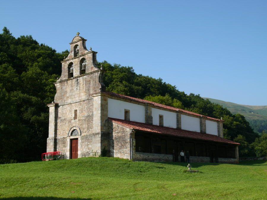 Santuario Nuestra Señora de Valvanuz en Selaya (Cantabria)