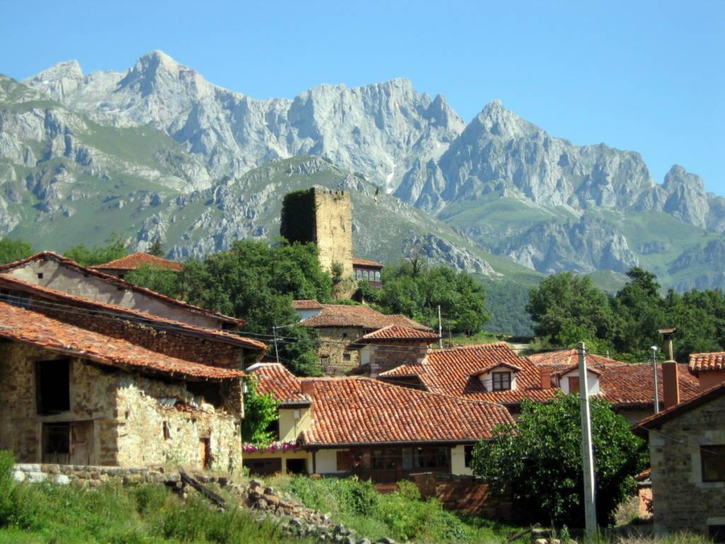 Mogrovejo - Pueblo de Cantabria 2017