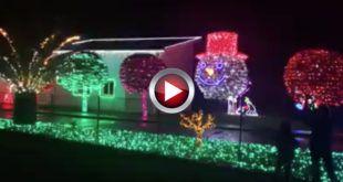 Video La iluminacion navideña de la Casa de Parbayon (Cantabria)