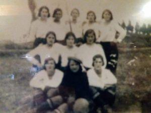 ¿1er equipo de fútbol femenino de Cantabria? - 1932