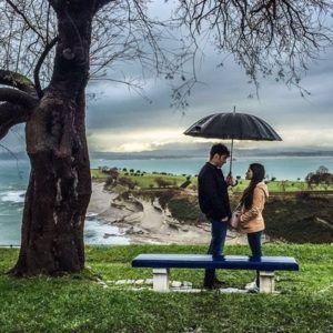 Jon Kortajarena y Elena Rivera en Santander durante el rodaje de La Verdad