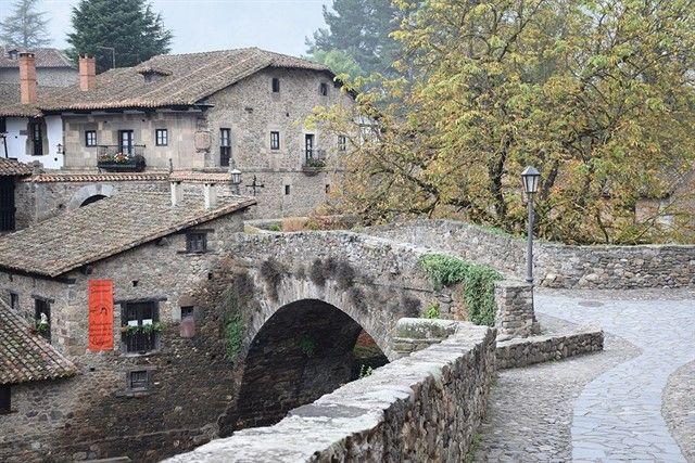 Potes entre los Pueblos más bonitos de España