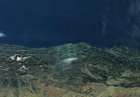 Imágenes ampliadas desde el Sentinel 3 del incendio de Lunada - Vía CopernicusEU