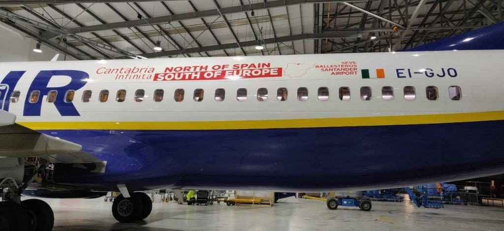 Tres aviones de Ryanair llevarán el nombre de Cantabria Infinita por Europa