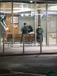 UNA FOTO EN EL AEROPUERTO SEVE BALLESTEROS DE UN POSIBLE CASO DE CORONAVIRUS DESATA UNA CRISIS EN LAS REDES