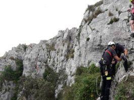 Rescatada una mujer que se había quedado atrapada en la tirolina de la vía ferrata de Liérganes